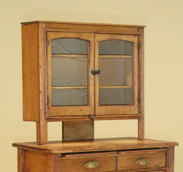 Miniature Table Top Shaker Cabinet Traditional Style